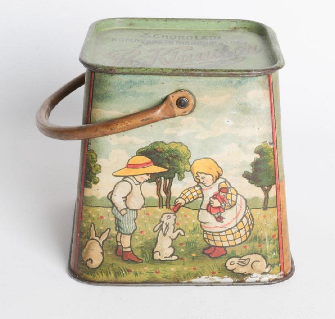 A R. KLAUSSON TIN LITHO HANDLED BISCUIT TIN - 3