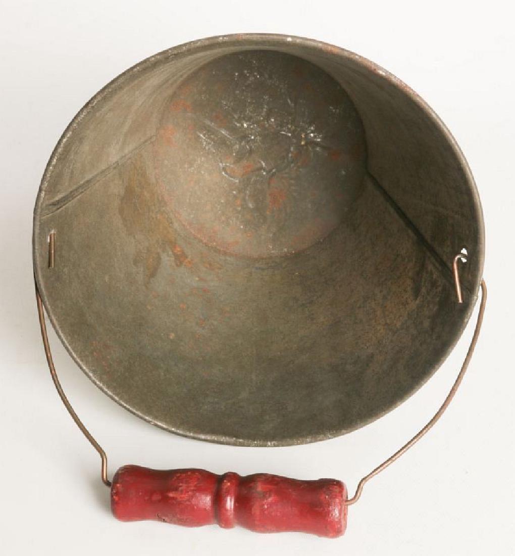 A CIRCA 1905 VICTORIAN CHILD'S TIN LITHO SAND PAIL - 8
