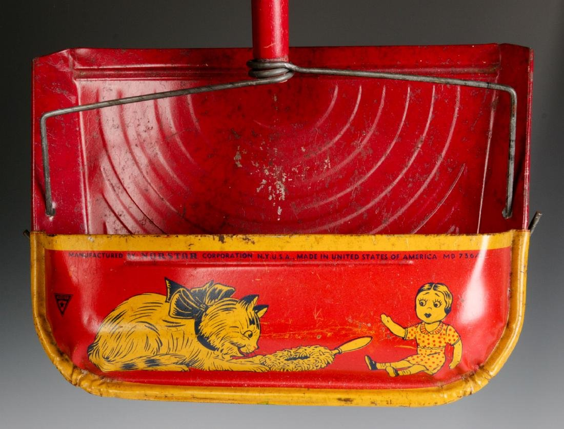 VINTAGE TIN LITHO CHILD'S SWEEPER AND DUST PAN - 6