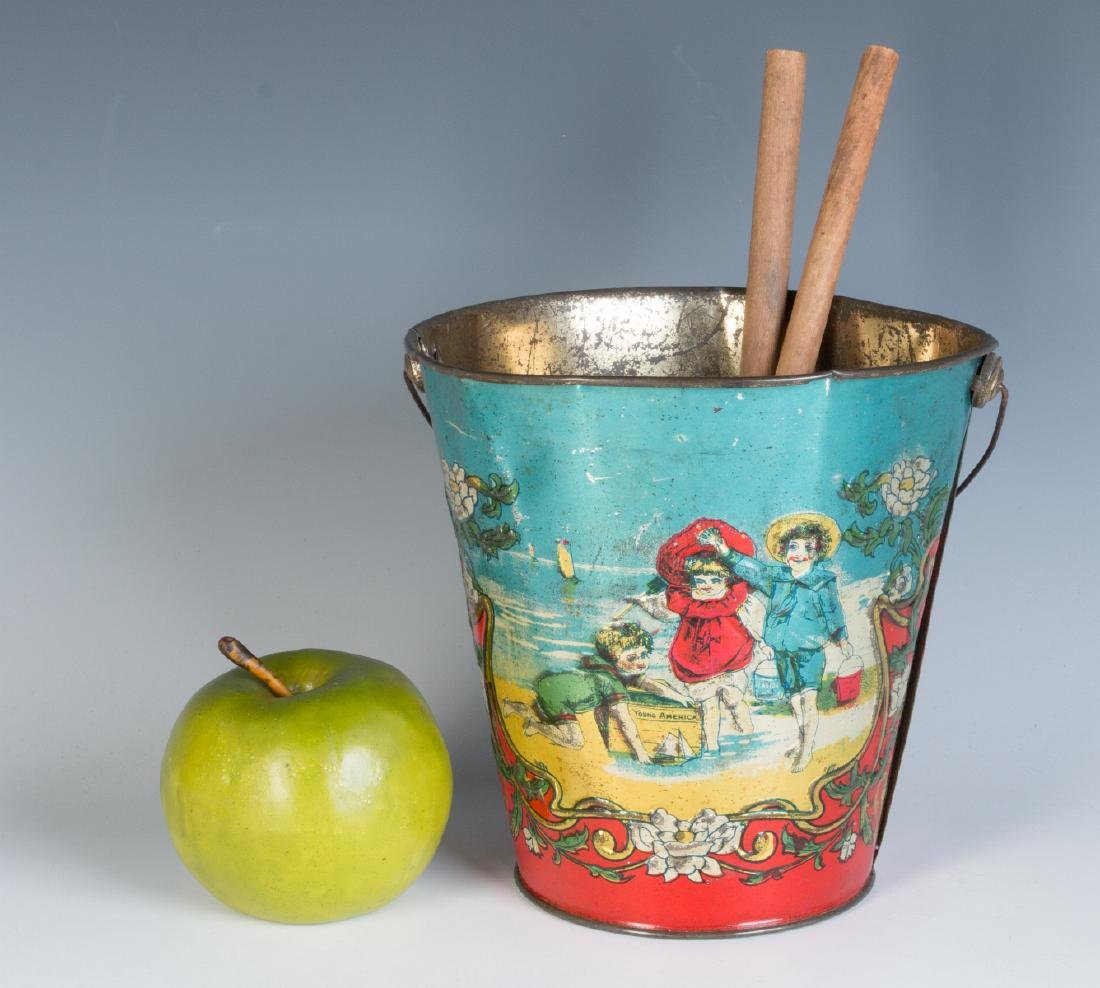 A 19TH CENTURY VICTORIAN SAND PAIL AND TWO SHOVELS - 4