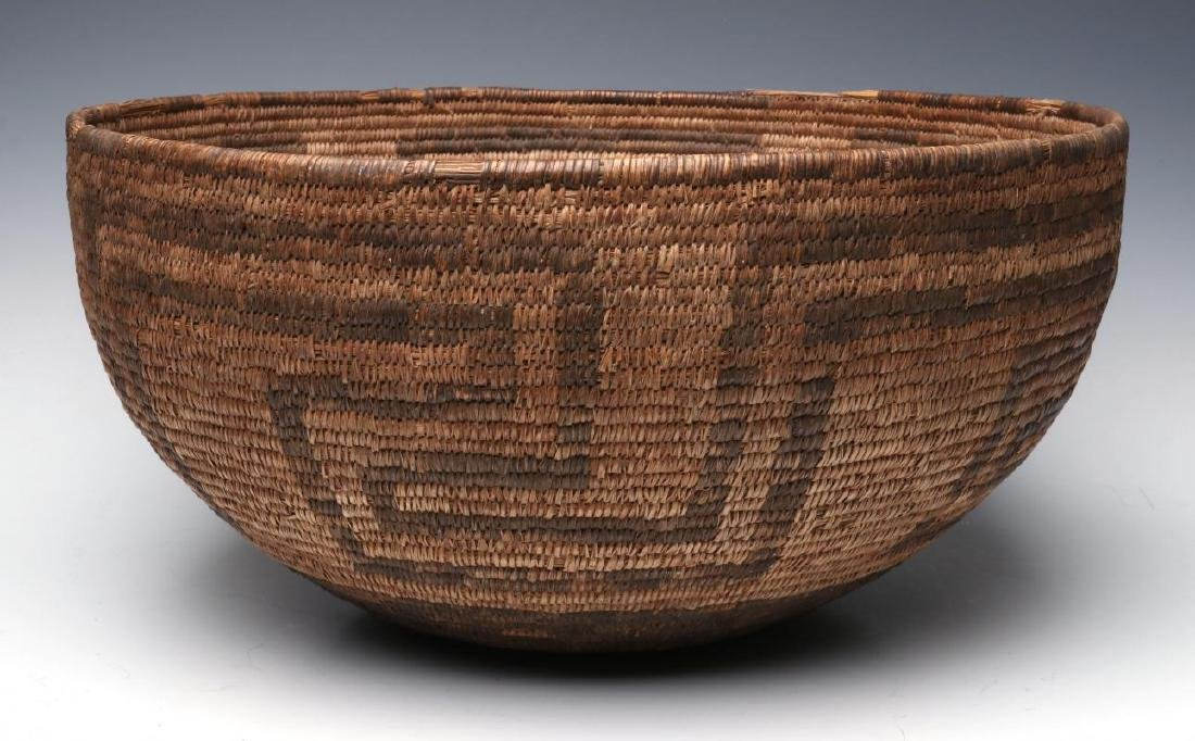 A VERY LARGE LATE 19TH C. PIMA OR PAPAGO BASKET