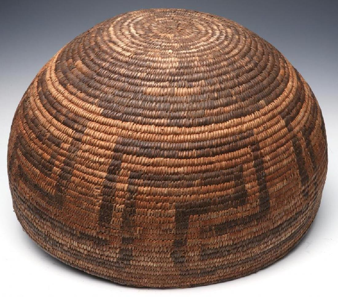 A VERY LARGE LATE 19TH C. PIMA OR PAPAGO BASKET - 6