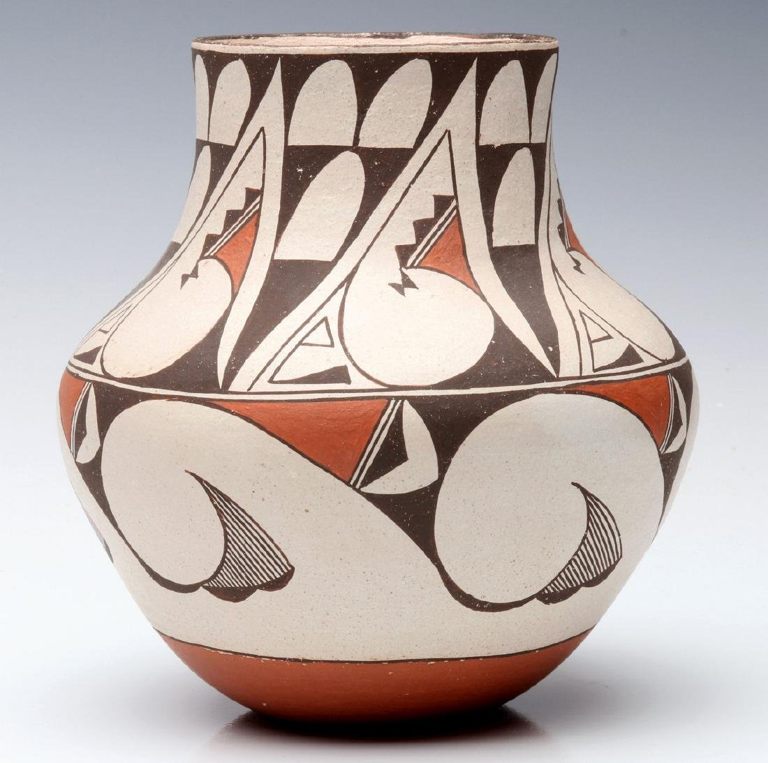 A LAGUNA PUEBLO POTTERY JAR SIGNED E. CHEROMIAH - 5