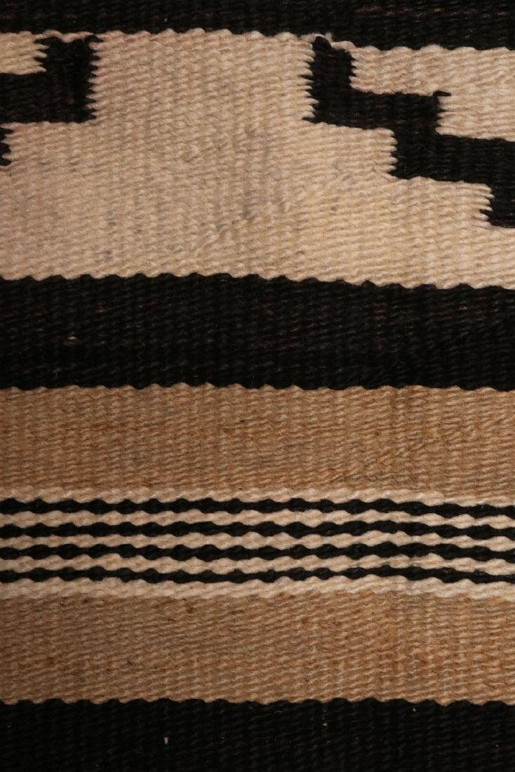 A LATE 20TH C. CHINLE NAVAJO WEAVING - 6