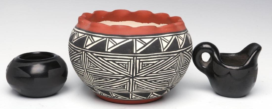 A COLLECTION OF SANTA CLARA AND ACOMA POTTERY - 3