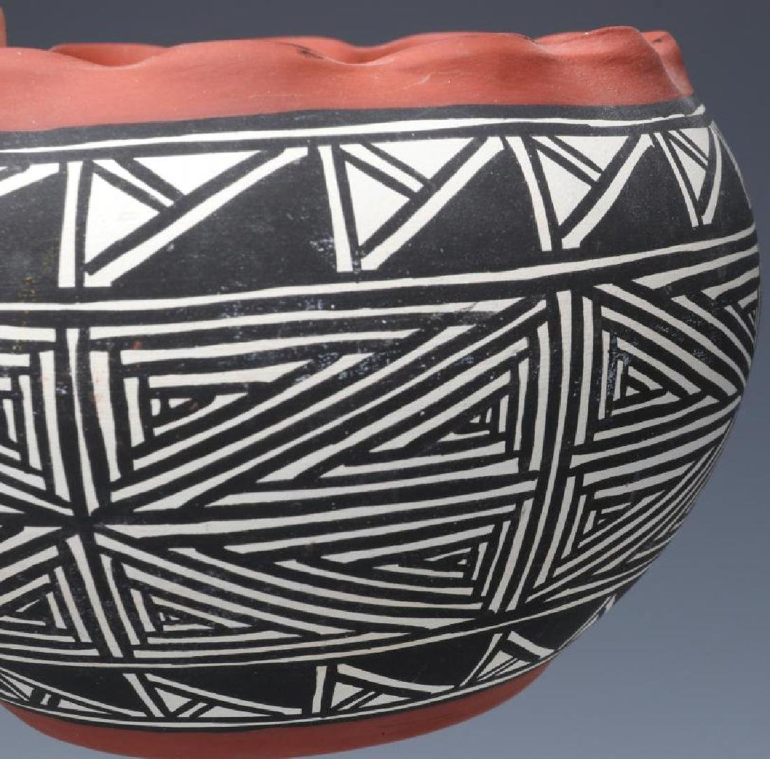 A COLLECTION OF SANTA CLARA AND ACOMA POTTERY - 6