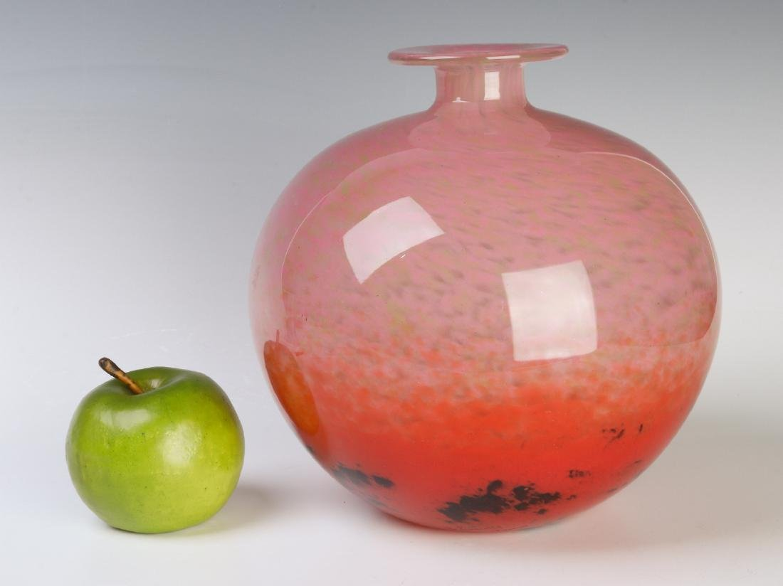 A FINE LARGE SCHNEIDER ART GLASS BALL SHAPE VASE - 3