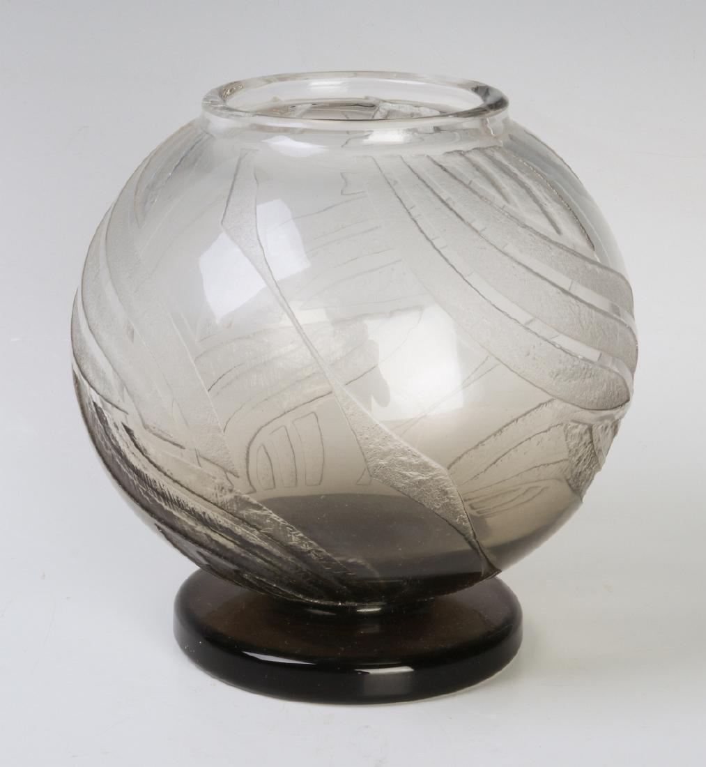 A GOOD FRENCH ART DECO GLASS VASE SIGNED SCHNEIDER