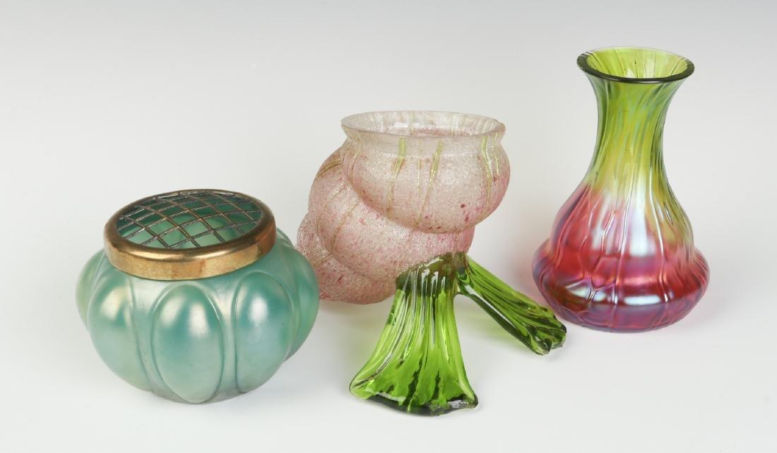 A THREE-PIECE LOT OF AUSTRIAN ART GLASS - 2