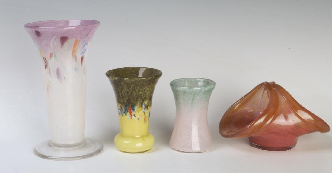 A COLLECTION OF VASART ART GLASS CABINET VASES - 3