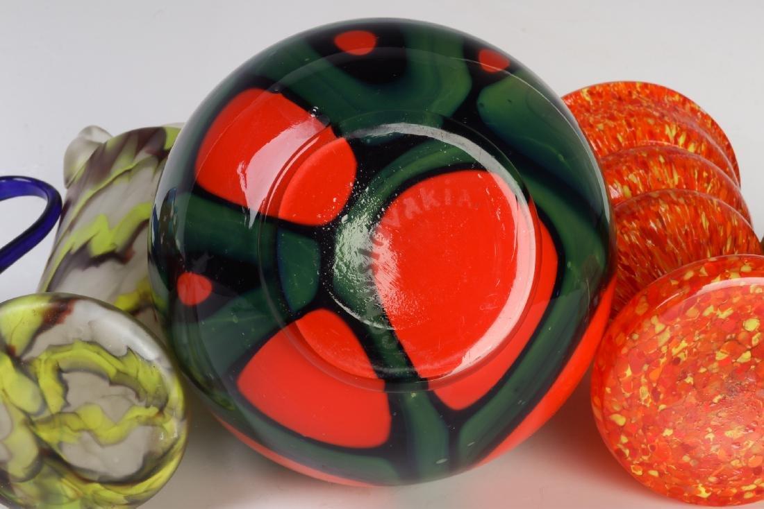 A COLLECTION OF CZECH ART GLASS - 9