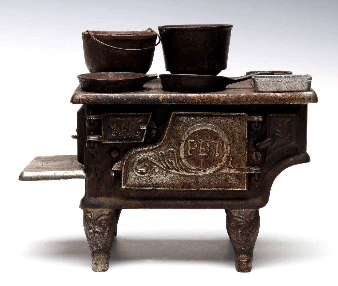 THE 'PET' CAST IRON TOY / SAMPLE STOVE CIRCA 1875