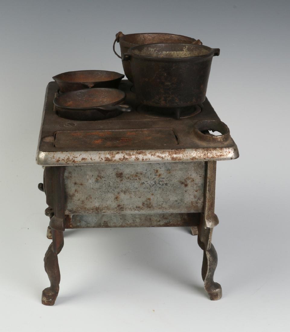 THE 'PET' CAST IRON TOY / SAMPLE STOVE CIRCA 1875 - 3