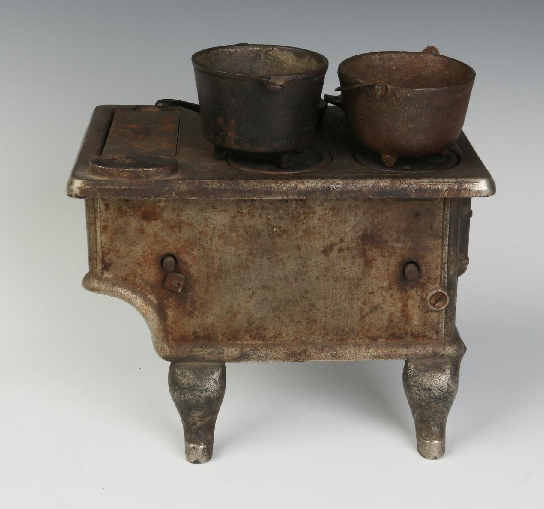 THE 'PET' CAST IRON TOY / SAMPLE STOVE CIRCA 1875 - 4
