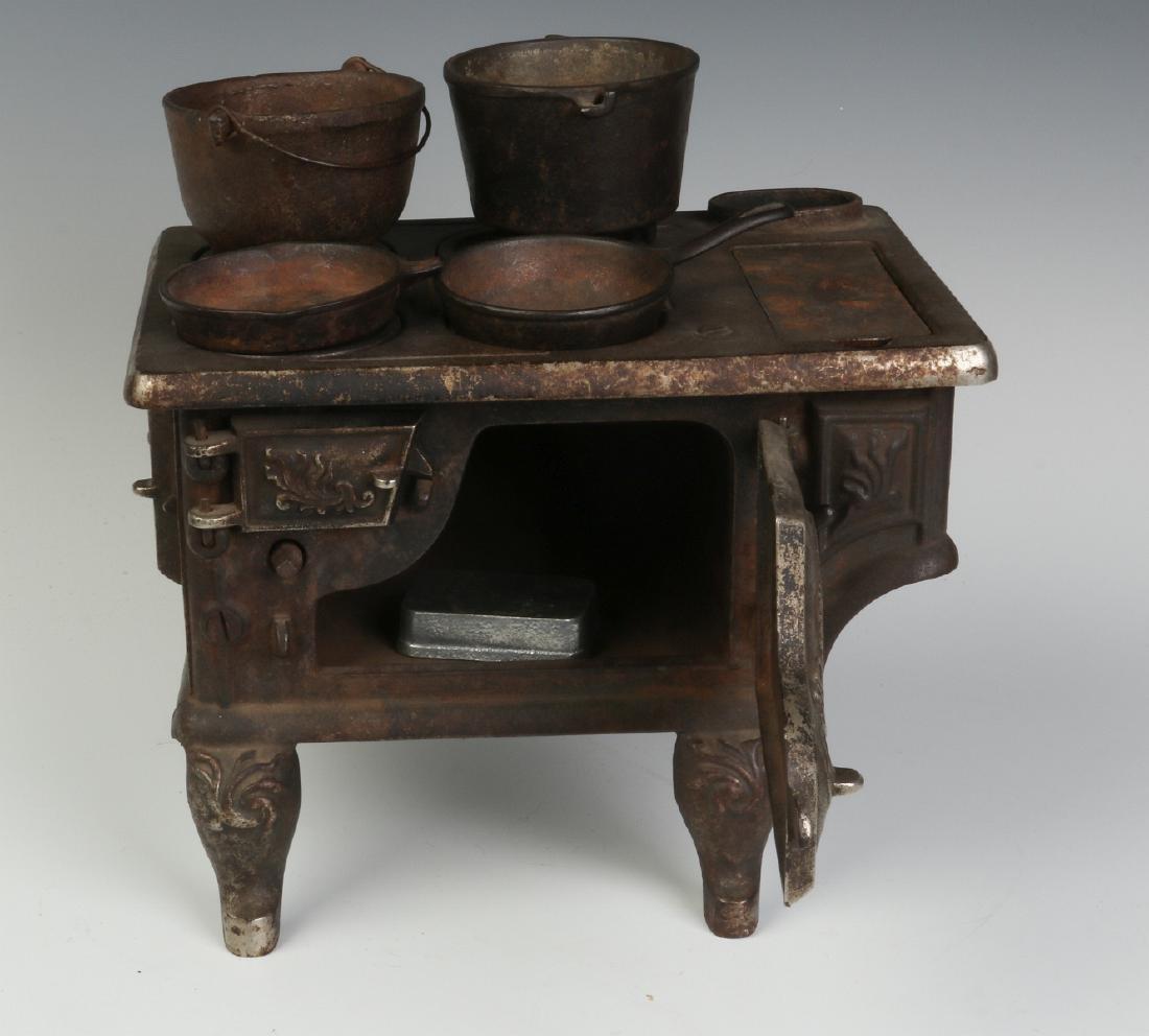 THE 'PET' CAST IRON TOY / SAMPLE STOVE CIRCA 1875 - 6