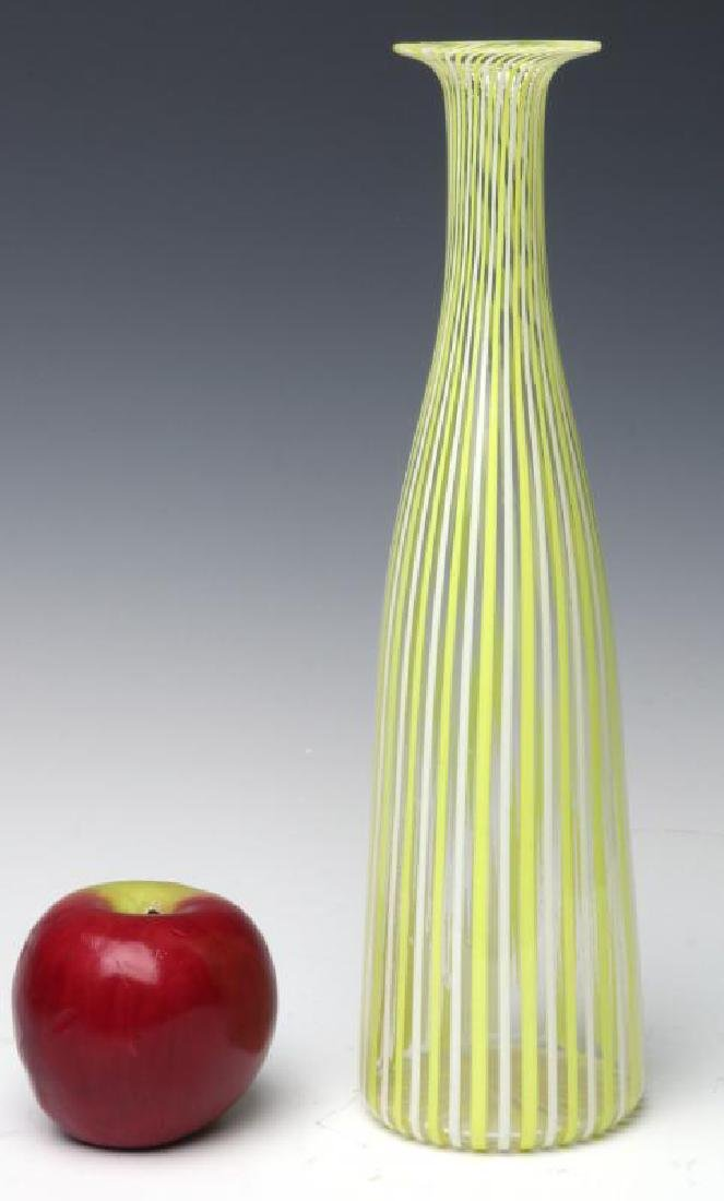 A MURANO GLASS BOTTLE VASE SIGNED VENINI, AS FOUND - 6