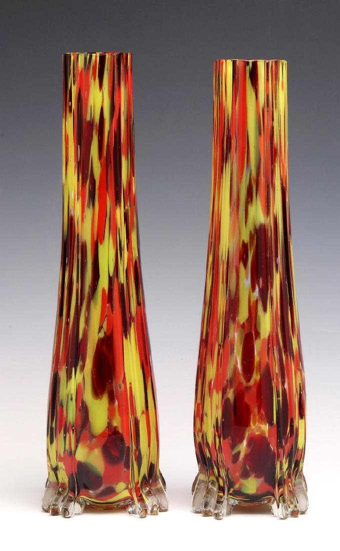 A PAIR OF CZECHOSLOVAKIAN ART GLASS VASES - 5