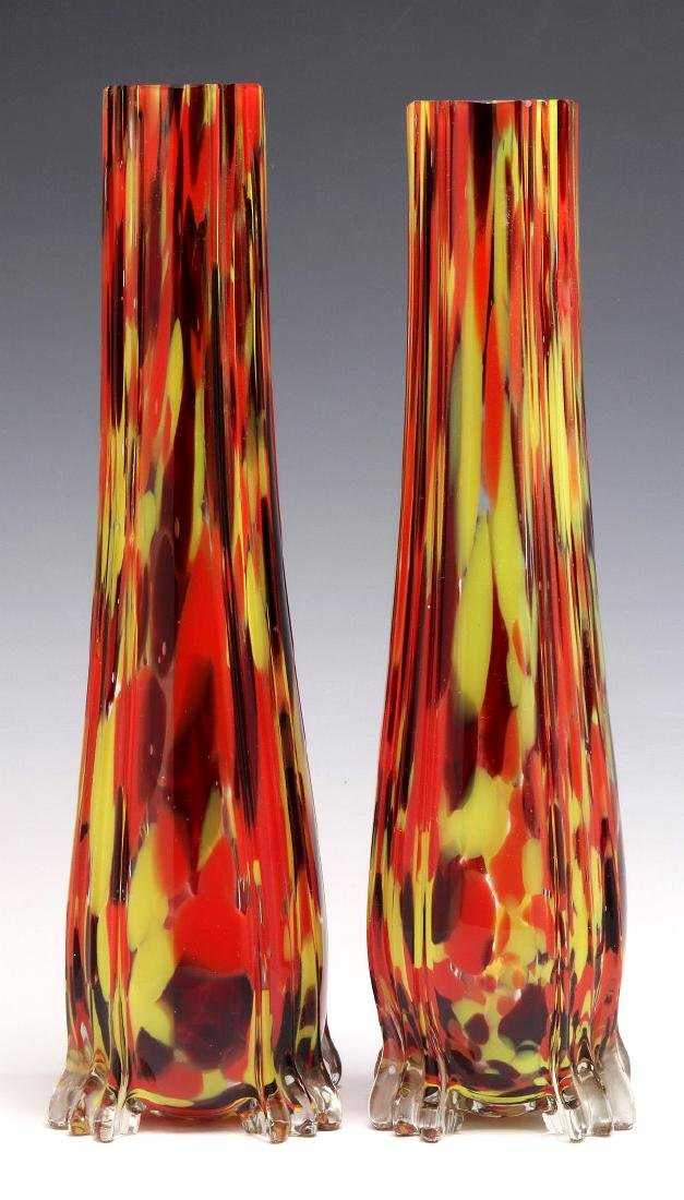 A PAIR OF CZECHOSLOVAKIAN ART GLASS VASES - 6