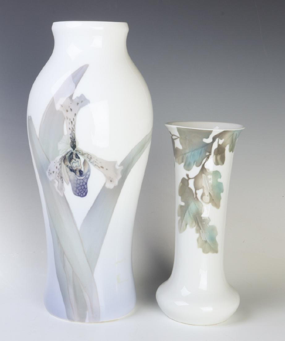 TWO WELL-EXECUTED EUROPEAN PORCELAIN VASES
