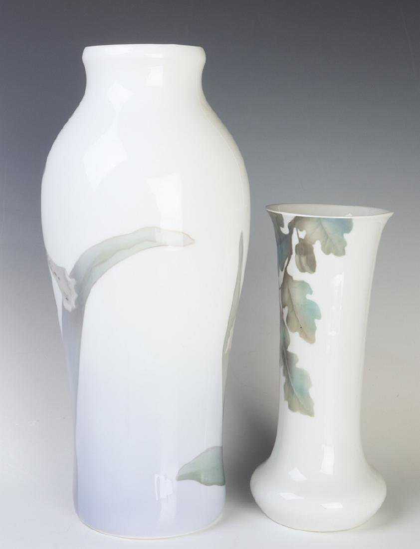 TWO WELL-EXECUTED EUROPEAN PORCELAIN VASES - 2