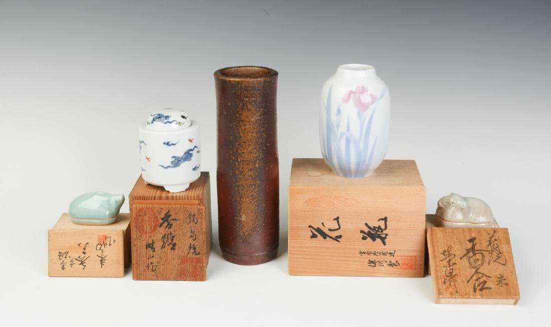 LATE 20TH C. JAPANESE STUDIO POTTERY AND PORCELAIN