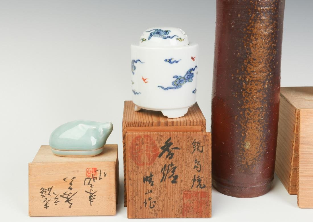 LATE 20TH C. JAPANESE STUDIO POTTERY AND PORCELAIN - 2