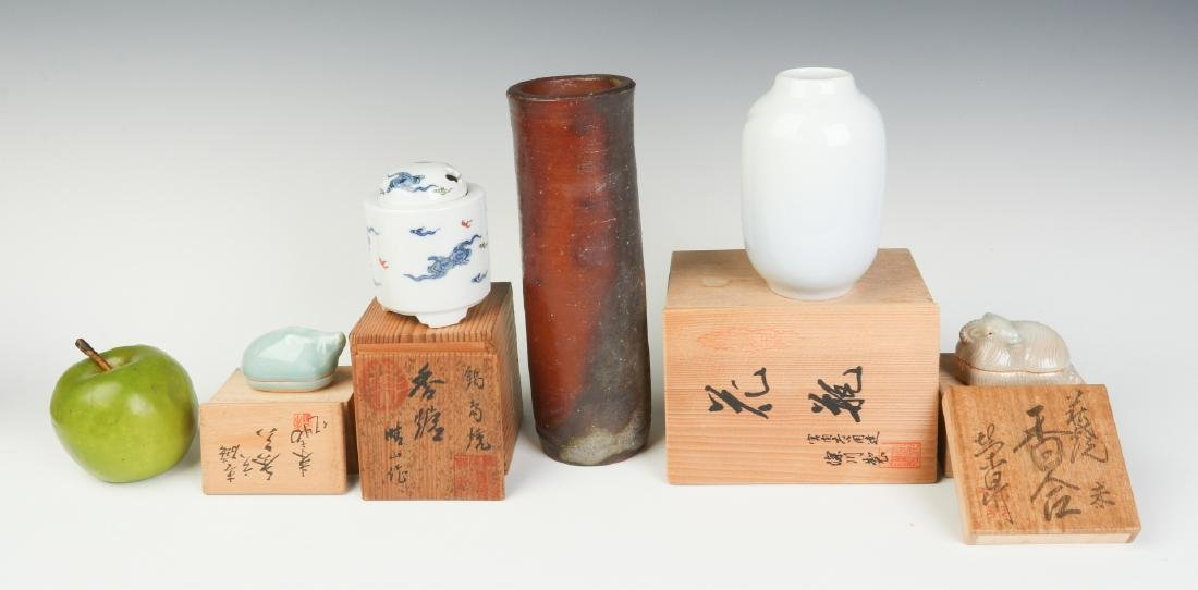 LATE 20TH C. JAPANESE STUDIO POTTERY AND PORCELAIN - 8