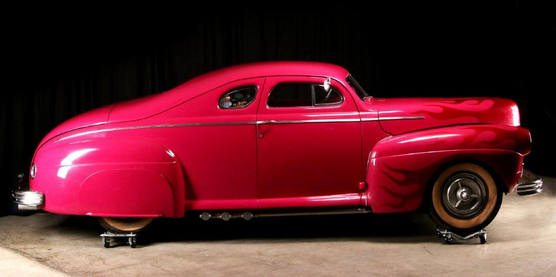 AN AWARD-WINNING CUSTOM CHOPPED 1941 FORD COUPE - 7