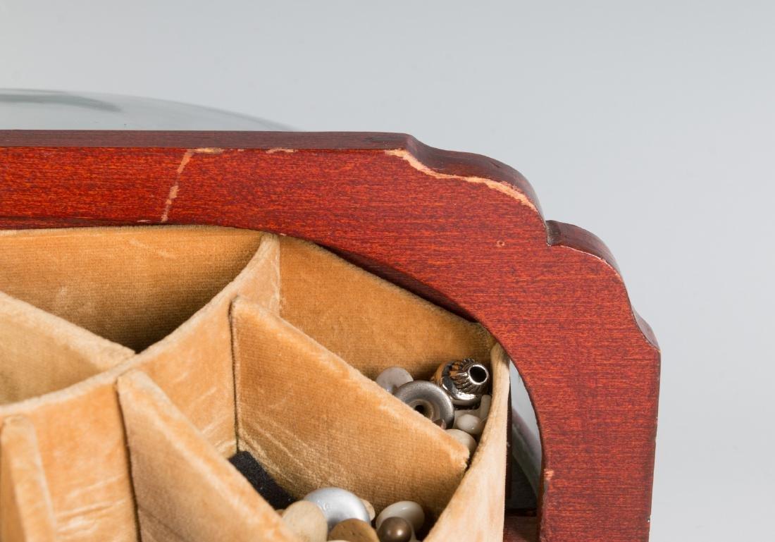 AN ART DECO CUFFLINK DISPLAY CASE FOR LIVINGSTON - 7