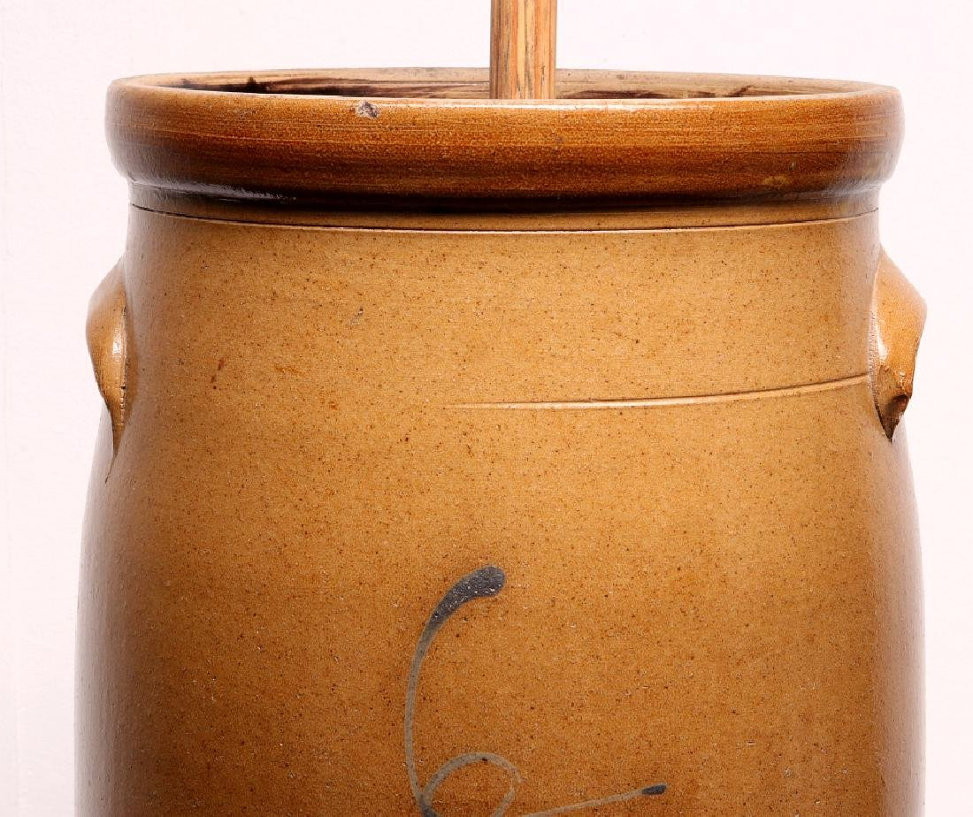 A GOOD MID-WESTERN COBALT DECORATED BUTTER CHURN - 2