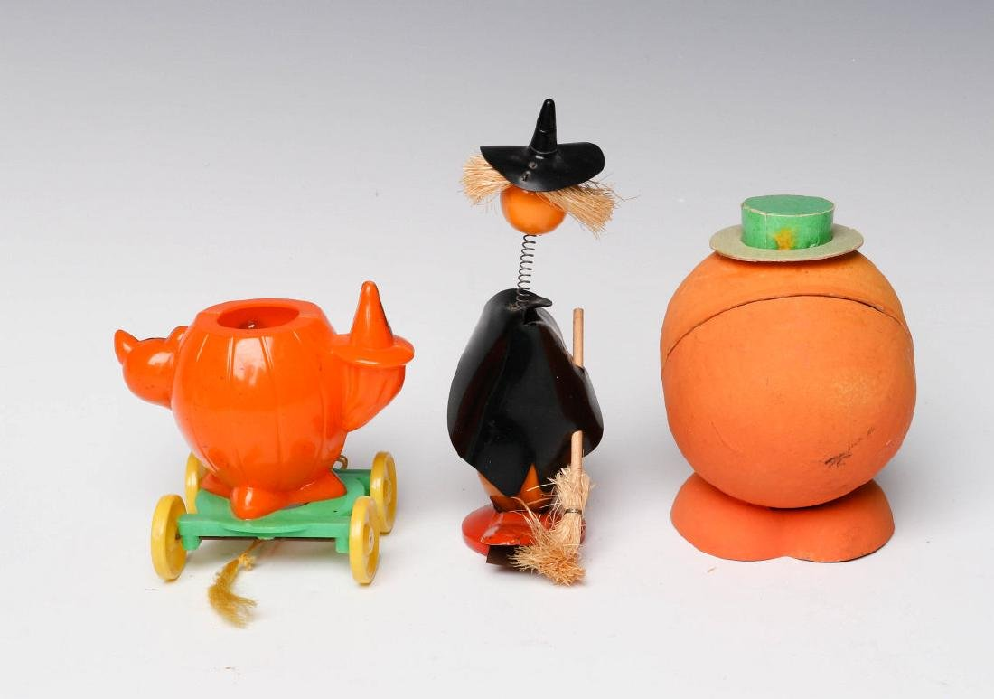 VINTAGE HALLOWEEN CANDY CONTAINERS AND NOISE MAKER - 3