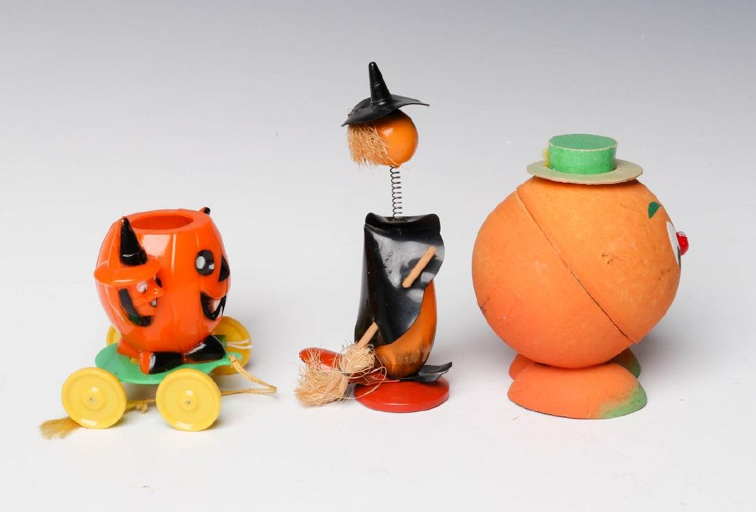 VINTAGE HALLOWEEN CANDY CONTAINERS AND NOISE MAKER - 4