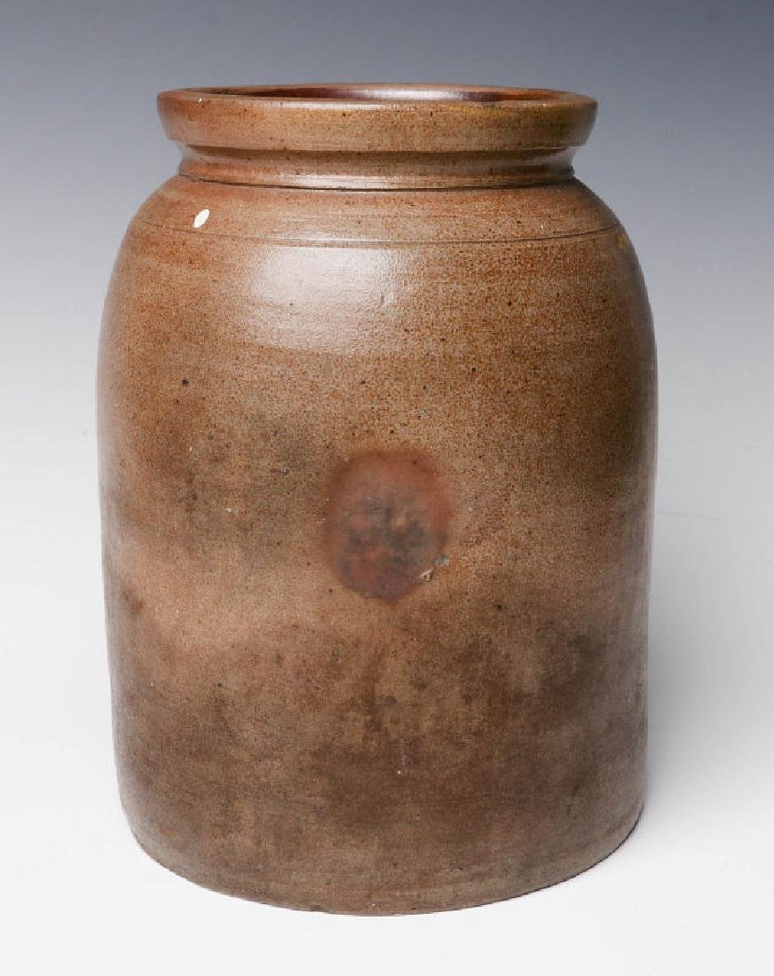 A 19TH C. BLUE DECORATED STONEWARE CANNING JAR - 3