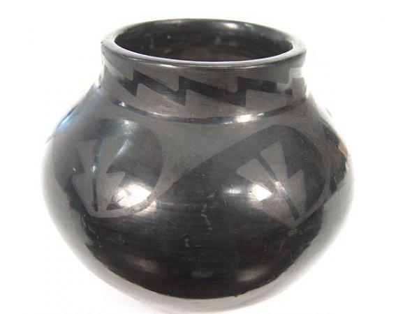 1: SANTO DOMINGO POTTERY JAR