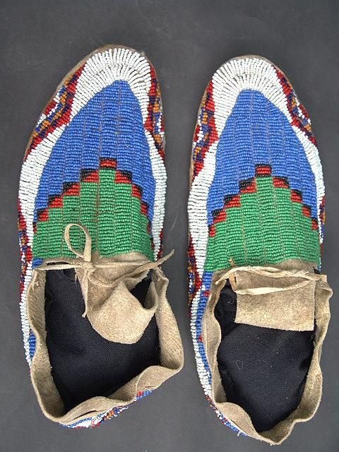 16: GOOD PAIR OF SINEW SEWN SIOUX MOCCASINS