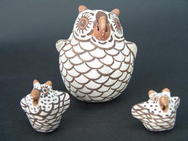 20: THREE ZUNI POTTERY EFFIGY OWLS