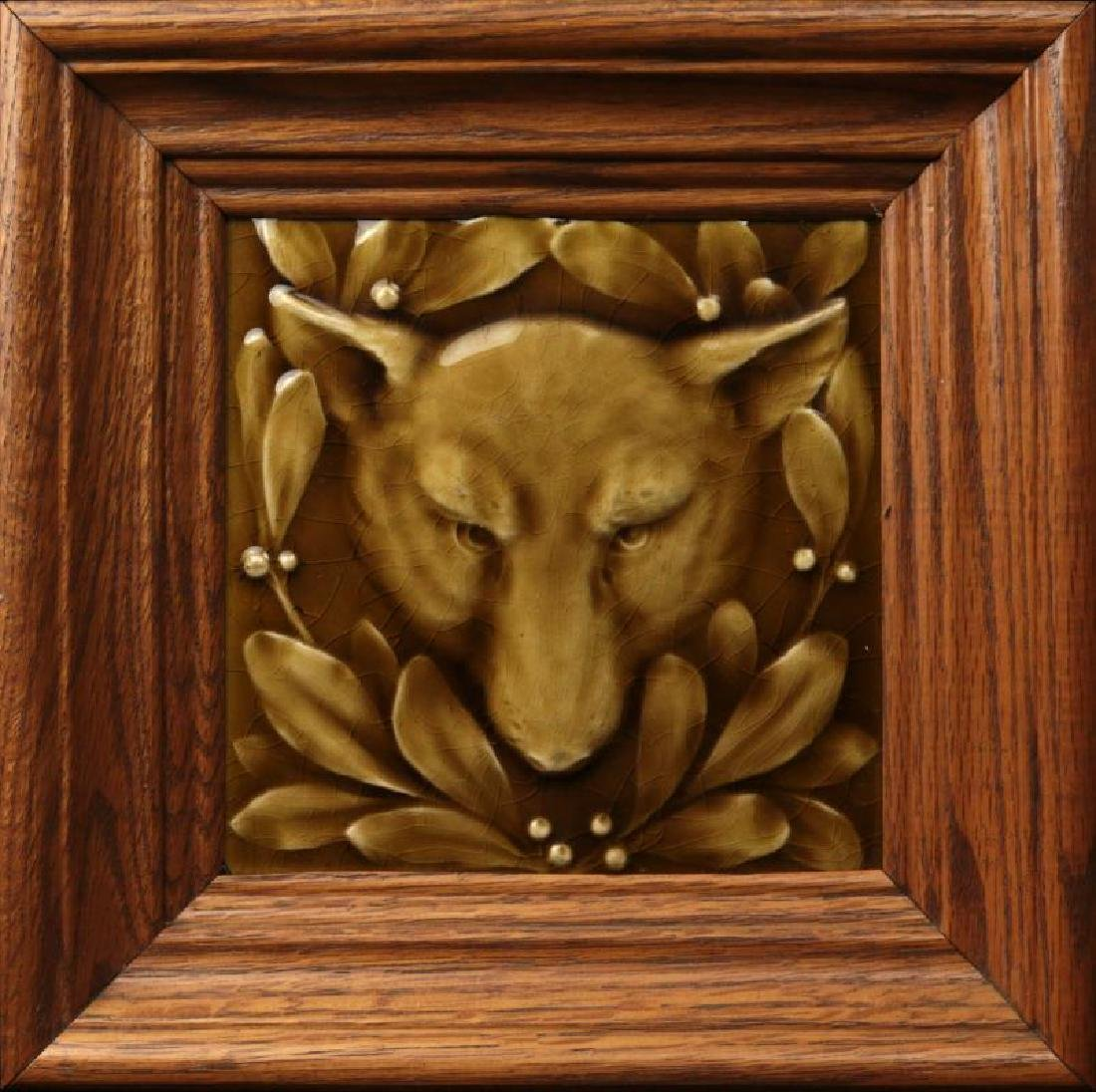 A GOOD VICTORIAN TILE, THE PORTRAIT OF A WOLF