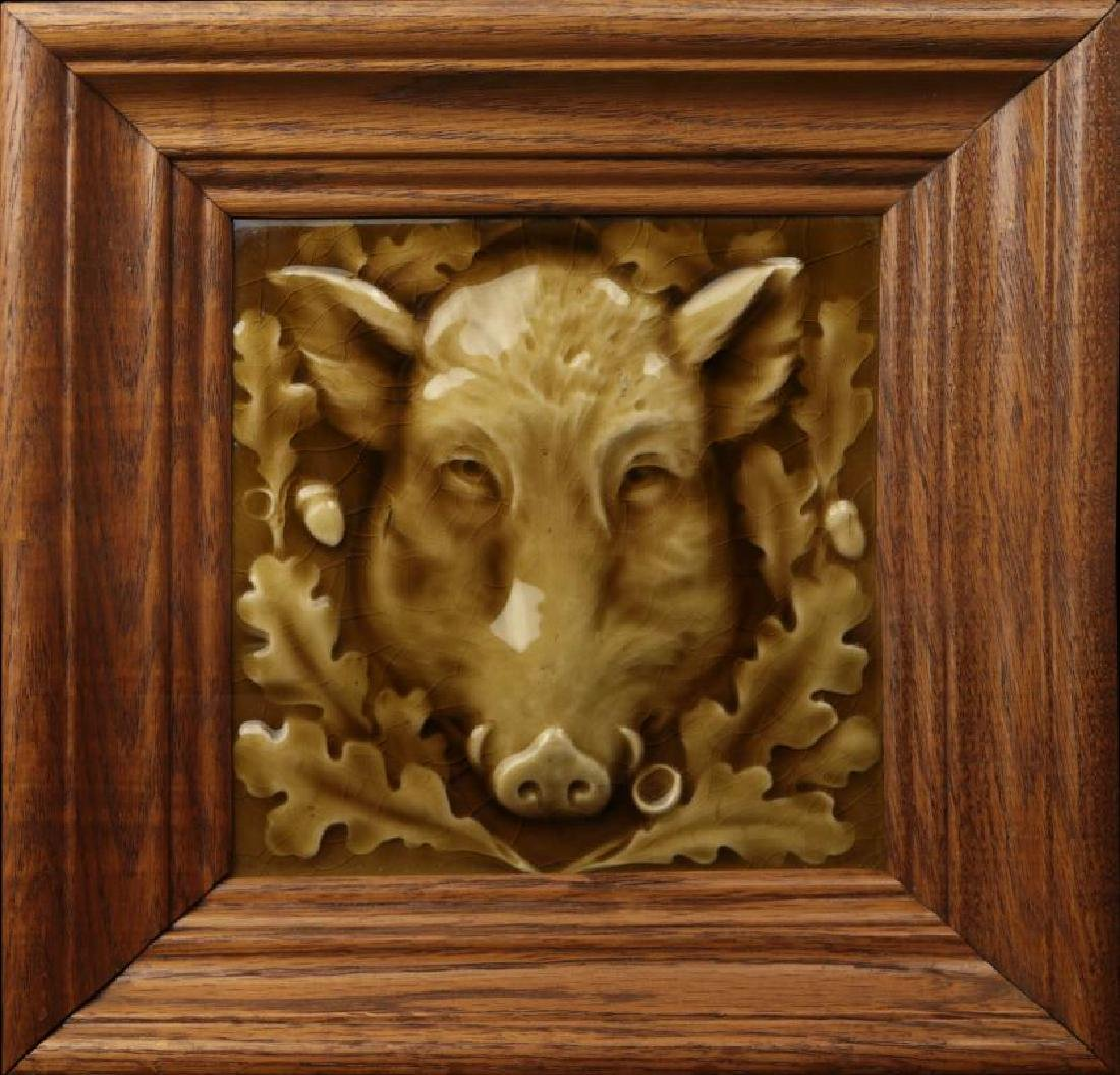A GOOD VICTORIAN TILE, THE PORTRAIT OF A BOAR