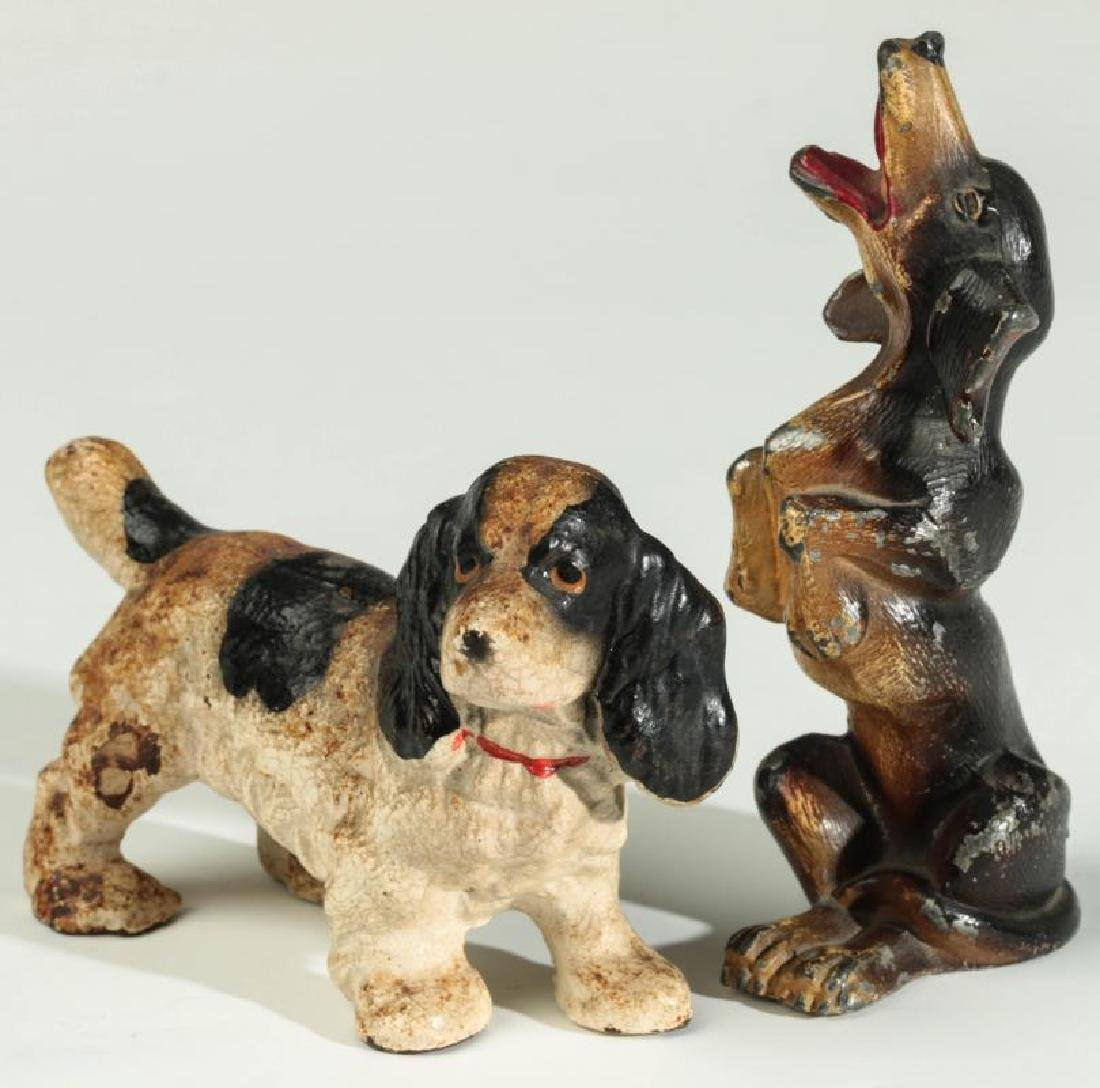 A VINTAGE HUBLEY CAST IRON DOG PAPERWEIGHT
