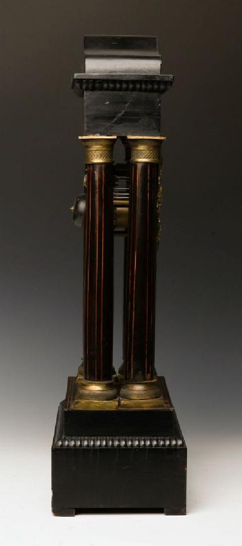 A 19TH CENTURY CONTINENTAL MARQUETRY PORTICO CLOCK - 2