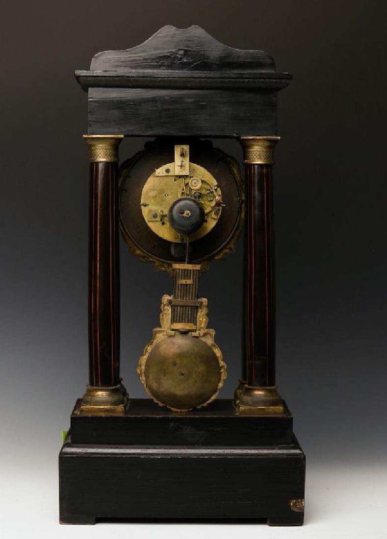 A 19TH CENTURY CONTINENTAL MARQUETRY PORTICO CLOCK - 3