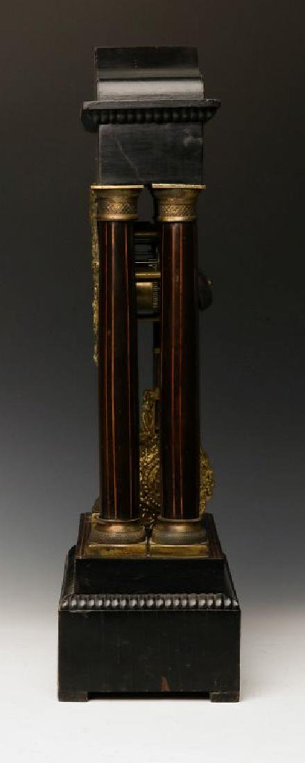 A 19TH CENTURY CONTINENTAL MARQUETRY PORTICO CLOCK - 4