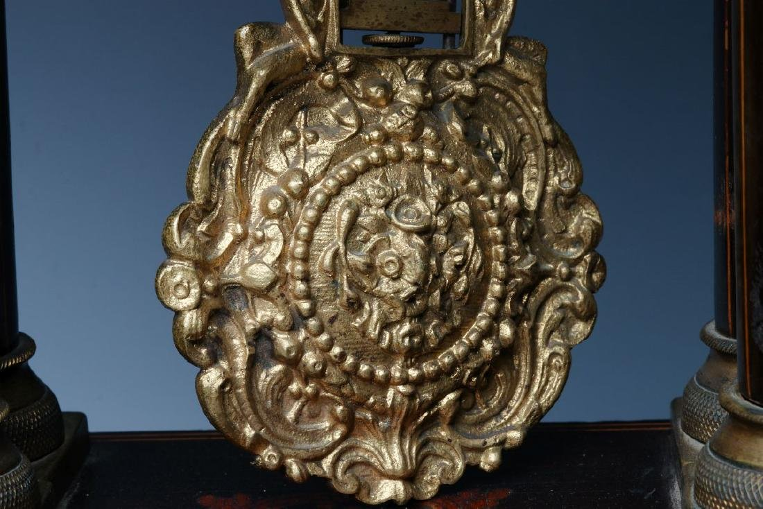 A 19TH CENTURY CONTINENTAL MARQUETRY PORTICO CLOCK - 8