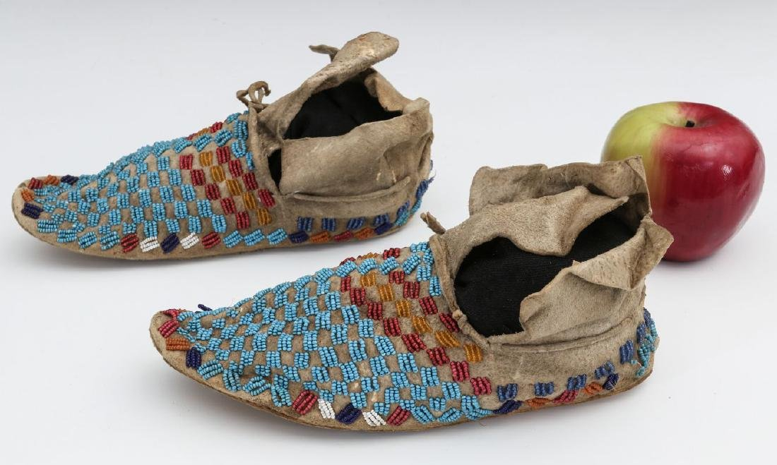 A PAIR NATIVE AMERICAN SINEW SEWN MOCCASINS C 1900 - 6