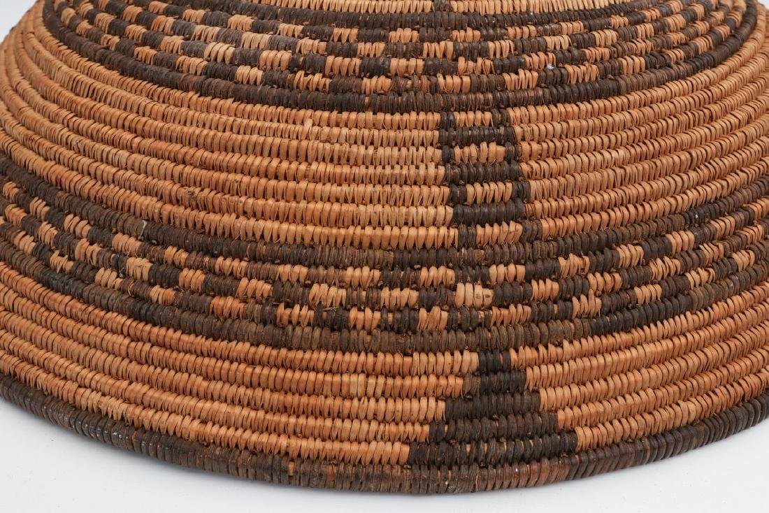 A GOOD EARLY 20TH C PIMA INDIAN BASKETRY BOWL - 10