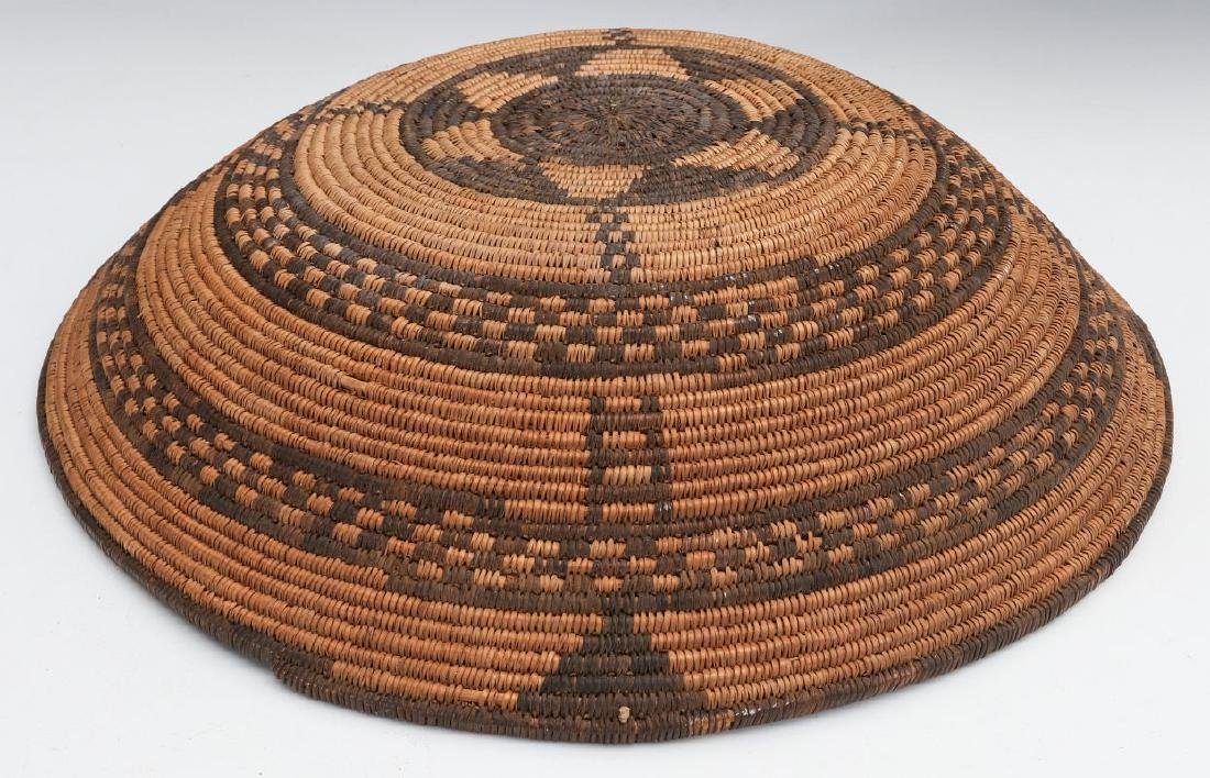 A GOOD EARLY 20TH C PIMA INDIAN BASKETRY BOWL - 12