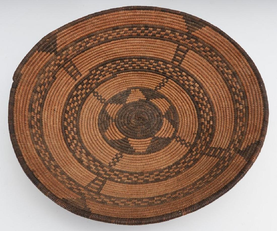 A GOOD EARLY 20TH C PIMA INDIAN BASKETRY BOWL