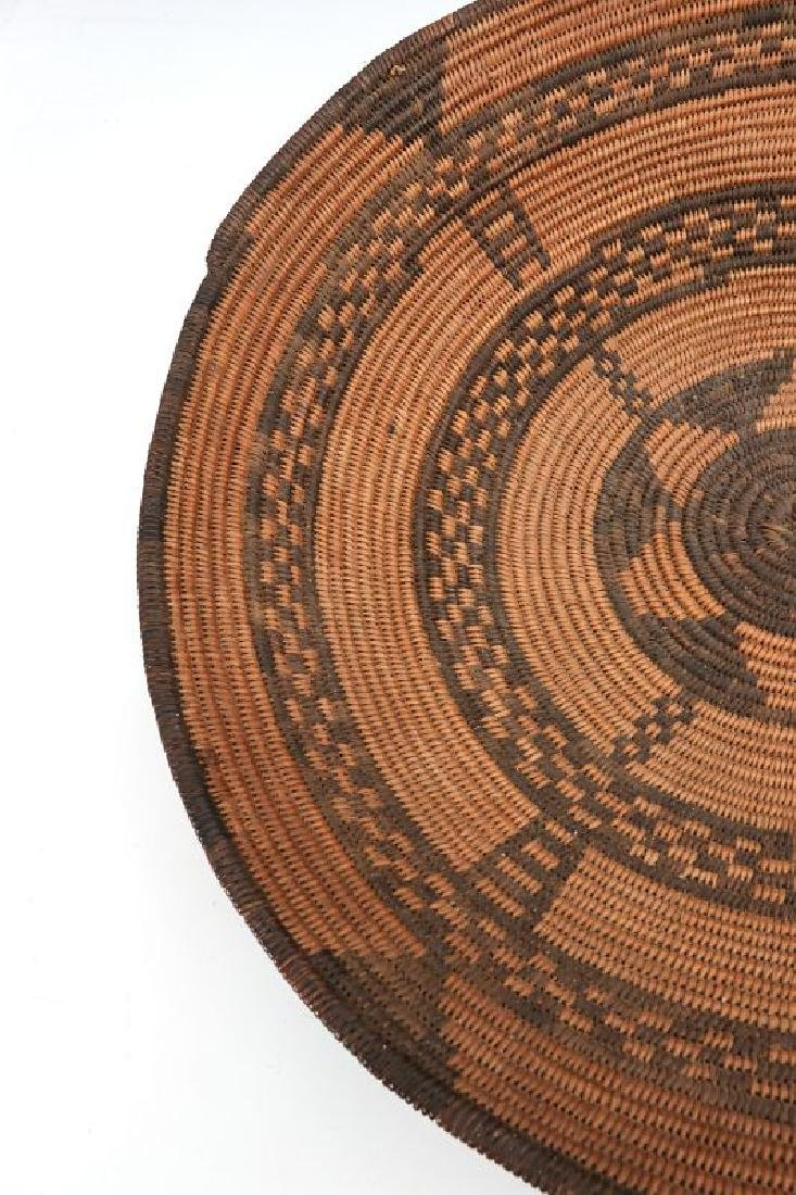 A GOOD EARLY 20TH C PIMA INDIAN BASKETRY BOWL - 8