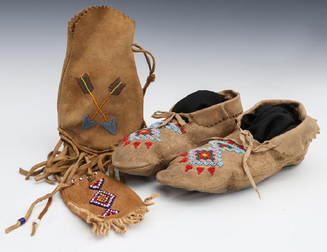 NATIVE AMERICAN BEADED HIDE POUCH AND MOCCASINS