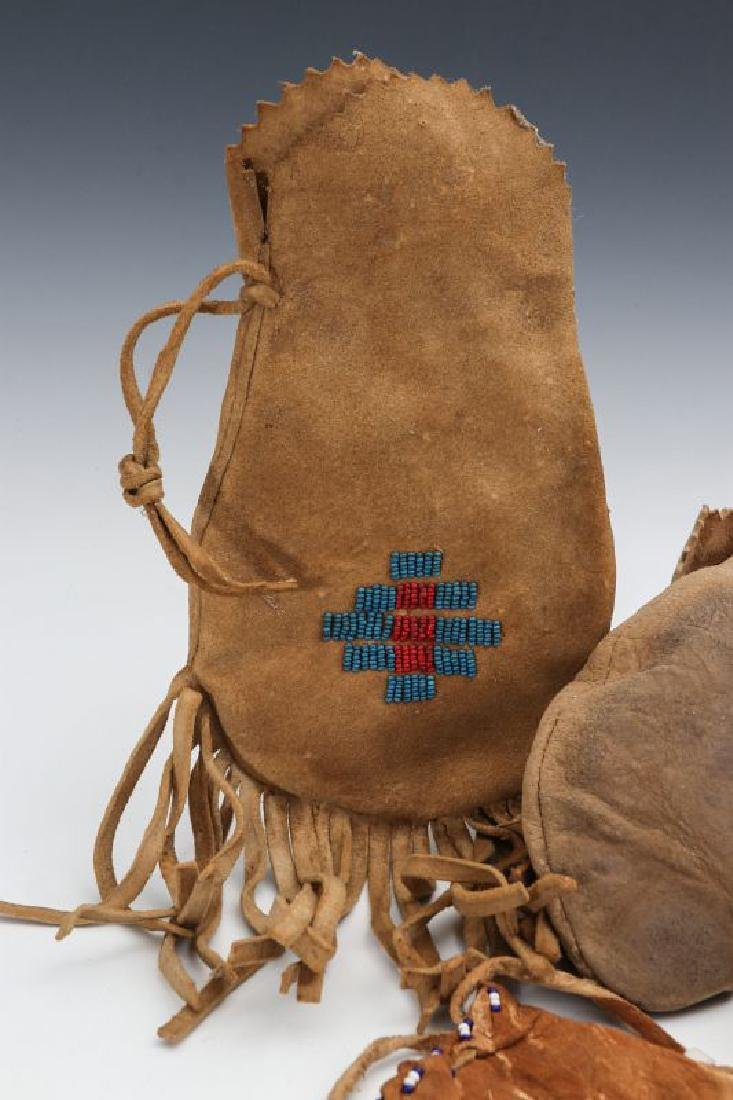 NATIVE AMERICAN BEADED HIDE POUCH AND MOCCASINS - 6